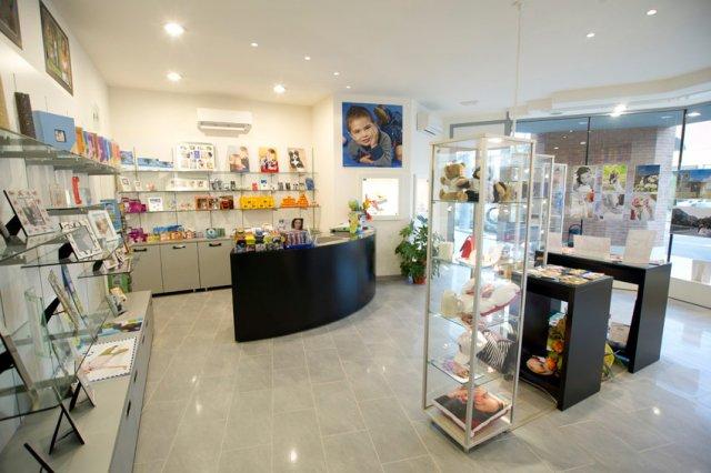Arredamento negozi ottica e foto in Toscana - Neoarredo